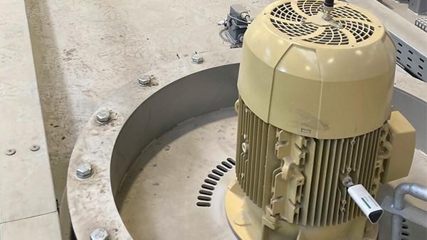 Monitoring motors of heat treatment machines